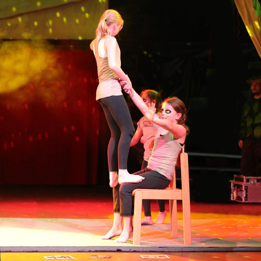 Akrobatik-Zirkus-Giovanni-Bamberg-3-Big-Size
